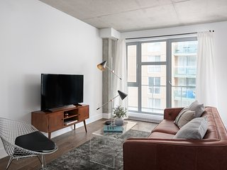Airy 1BR in Quartier des Spectacles by Sonder