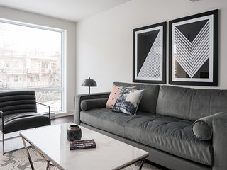 Vibrant 2BR in The Village by Sonder