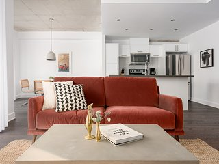 Lively 1BR in Quartier des Spectacles by Sonder