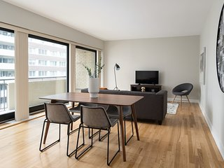Lovely 2BR in Downtown Montréal by Sonder