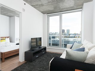 Sonder | Place des Arts | Bright 1BR + Balcony