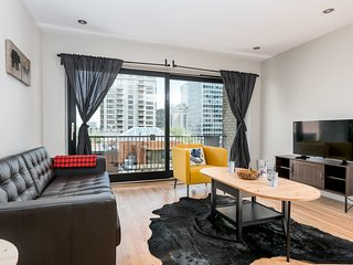 Central 3BR in Downtown Montreal by Sonder