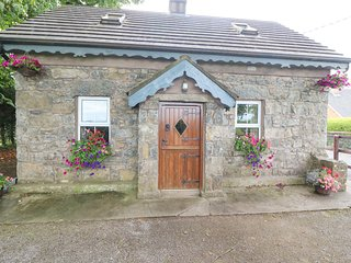 STONE COTTAGE, detached stone cottage, multi-fuel stove, ample parking