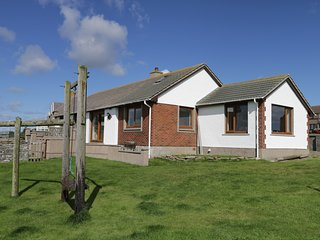 GREENBRAES, sea views, spacious interior, near John O' Groats