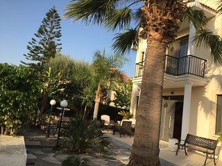 Private Villa with own pool, 10 mins from the beach and Oroklini village