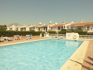 Fantastic Apt. Loma in Albir sleeps 4 people walking distance to all amenities
