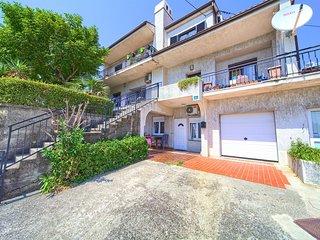 Two bedroom apartment Rijeka (A-13976-b)