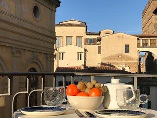 Panoramic penthouse next to Uffizi Palace