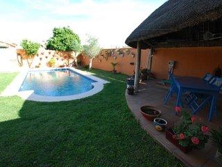 Chalet con piscina Fuente Bravia