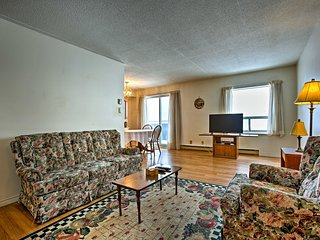 NEW! Apartment on Blind River w/ Private Balcony