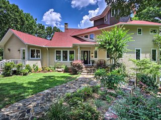 NEW! Mooresville House on Lake w/ Private Beach!