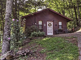NEW! Pigeon Forge Cabin w/ Hot Tub - By Dollywood!