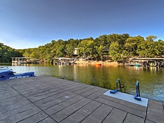 NEW! Waterfront Lake Ozark Condo w/ Balcony & Pool