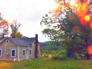 Woodstock Artist's loft for the creative spirit, fantastic view to inspire you