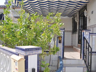 Bungalow en Guardamar del Segura / Urbanizacion El Moncayo / Piscina / Playa