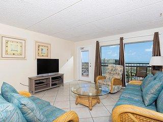 Saida IV 603 - 2Bd/2Ba Cozy Beachfront Condo, Private Balcony, Small Dog