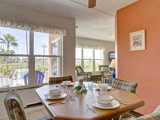 Cute & comfortable, short walk to the beach. Next to Schlitterbahn Waterpark