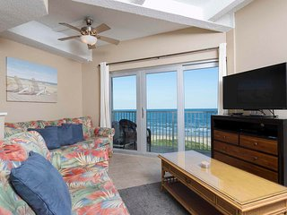 Aquarius 605 - Amazing Sunrise View, Beachfront Condo, Pool, Hot Tub, BBQ's