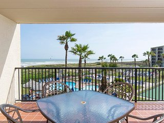 Saida I 301 - Charming 2Bd/2Ba Beachfront Condo, Ocean Views from Private