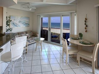 Aquarius 405 - Entire Condo Located on 4th Floor, Premier Location, Panoramic