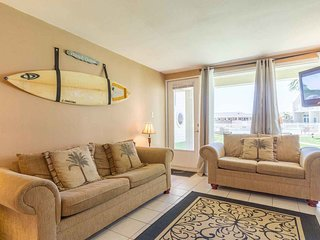 Bahia Mar 821 - Ground Floor 2 Bd/ 2Ba Condo, Easy Access to Pool, Direct Beach
