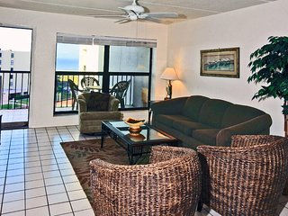 Saida IV 606 - 3Bd/2Ba Condo w/ Ocean Views. Family Friendly Complex: 3 Pools