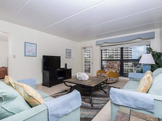 Saida IV 408 - 2Bd/2Ba Condo with Great Ocean View, Seasonal Poolside Bar
