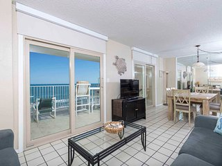 Inverness 702 - 2Bd/2Ba Beachfront Condo, Private Balcony, Perfect Couple or