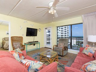 Saida III 806 - Cozy Oceanfront Condo with All the Comforts of Home, Beachfront