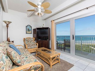 Aquarius 606 - Charming 2 Bed/1.5 Bath Oceanfront Condo, Beachfront Swimming