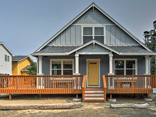 Rockaway Cottage w/Ocean View 50' to Beach Access!