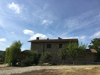 L agriturismo vista sole e situato nel verde tra Toscana e Umbria