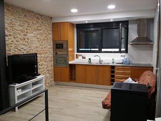 CASA ACOGEDORA DE NUEVA CONSTRUCCIÓN (2018) CÉNTRICA, PLAYA 10` CAMINANDO