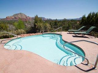 FLASH SALE! 2BR w/ WiFi, Resort Pool, Near Slide Rock, Apple Farms & More