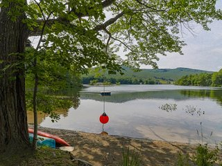 Lakefront home w/ kayak, floating dock & great views - minutes to town, dogs OK!