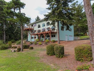 NEW LISTING! Spacious lakefront family home w/private dock, kitchen, great views