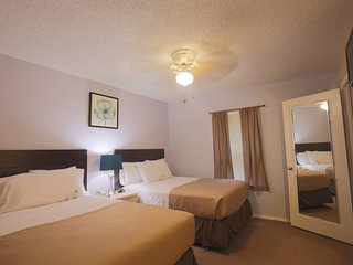 Double Suite With Access to a Pool, a Hot Tub, and a Fitness Centre!