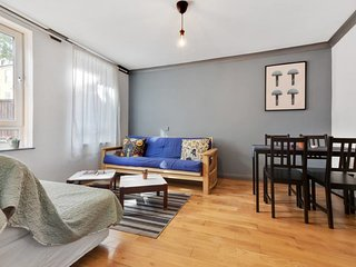 Lovely, Stylish 2 bed flat w/Garden in Dalston