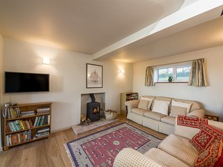 KT172 Cottage situated in Salthouse