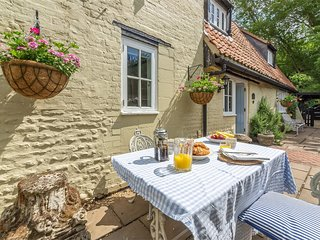KT160 Cottage situated in Little Walsingham