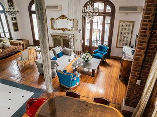 The Star Loft - Fully Remodeled 2 Br Apartment in French Style Building
