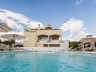 Zadar Apartment Sleeps 5 with Pool Air Con and WiFi - 5465130