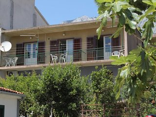 Three bedroom apartment Makarska (A-6717-a)