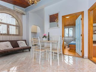 Veli Maj Apartment Sleeps 4 with Air Con and WiFi - 5472198