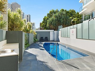 Eden Apartments Unit 901 - Luxury 2 bedroom apartment close to the beach Rainbow
