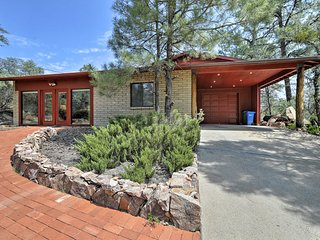 Quiet Prescott 'Forest Retreat' Cottage w/ Patio!