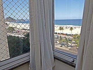 4 quartos com vista frontal da praia de Copacabana Q008