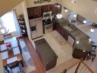 Penthouse Lake View Condo (401)