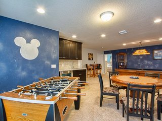 3706WW AMAZING 9 BED WITH GAME ROOM, JACUZZI, BBQ
