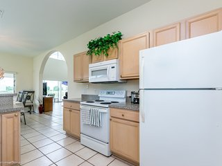 Budget Getaway - The Abbey at West Haven - Welcome To Spacious 5 Beds 4 Baths